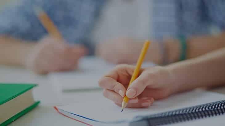 10 خطوات لكتابة موضوع تعبير جيد