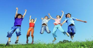 موضوع تعبير عن الطفولة البريئة بالعناصر