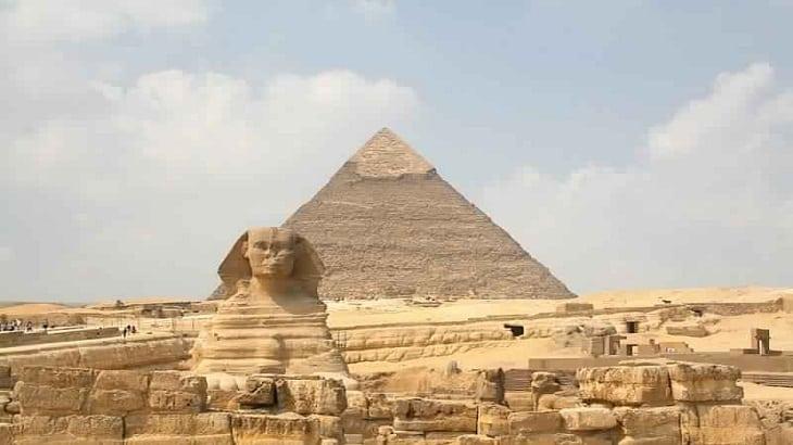 موضوع تعبير عن رحلة إلى الأهرامات