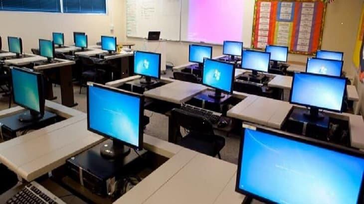 اذاعة مدرسية كاملة عن الحاسوب والتكنولوجيا