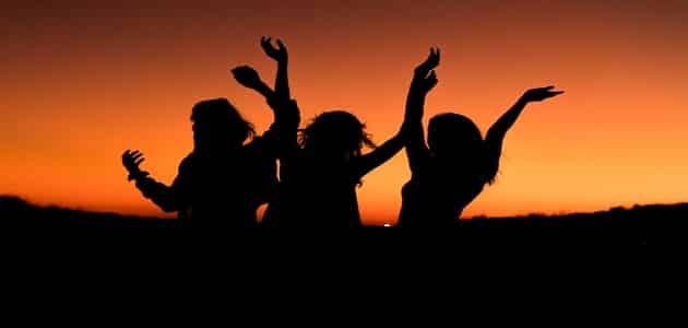 بحث عن دور الاصحاب في اختيار السلوك الشخصي الايجابي