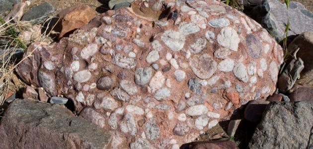 الصخور النارية والرسوبية والمتحولة وأنواعها