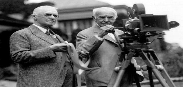 من هو مخترع الكاميرا وفي أي عام؟