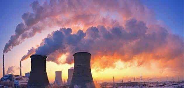حوار بين شخصين عن التلوث